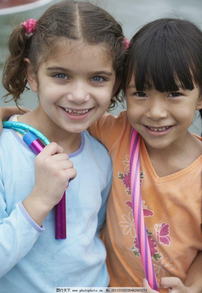 小女孩 快乐儿童 微笑 笑脸 外国小孩 国外小孩 娱乐 人物 儿童幼儿