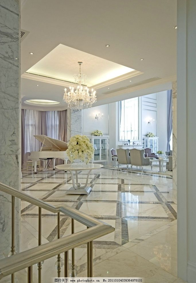 欧式 白色调      椅子 沙发 艺术品 壁纸 地毯 水晶吊灯 白色钢琴 摄