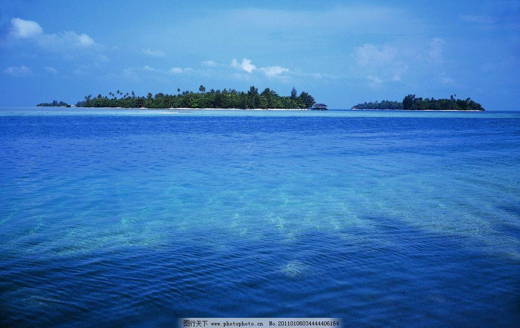 海面 波纹 海中小岛 湖面 岛屿 清澈 山水风景 自然景观 摄影 350dpi