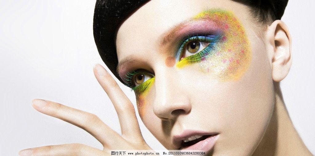 妆面 短发 耳朵 嘴唇 手指 眼睛 化妆 妆面摄影 女性女人 人物图库