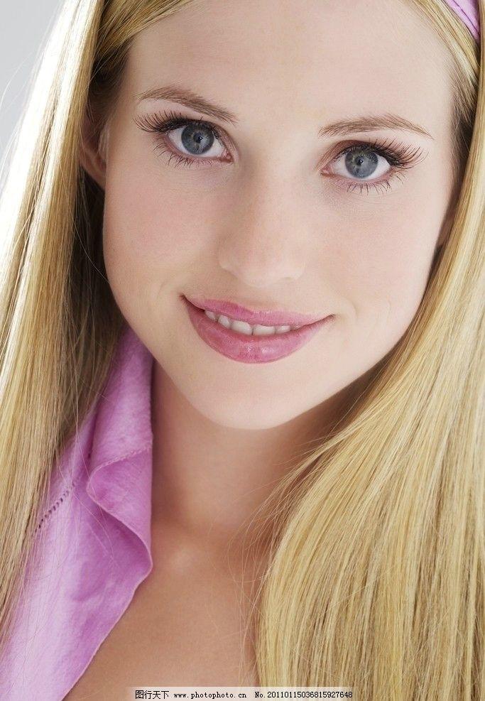 清纯美少女 微笑 明亮眼睛 嘴唇 金发 优雅美女 优雅女孩 漂亮美女