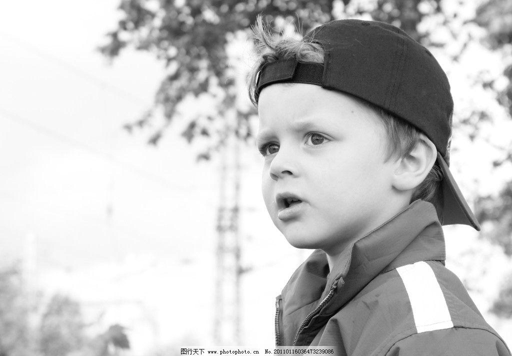 阳光男孩 小男孩 国外 黑白照片 帽子 可爱 帅气 儿童幼儿 摄影图库