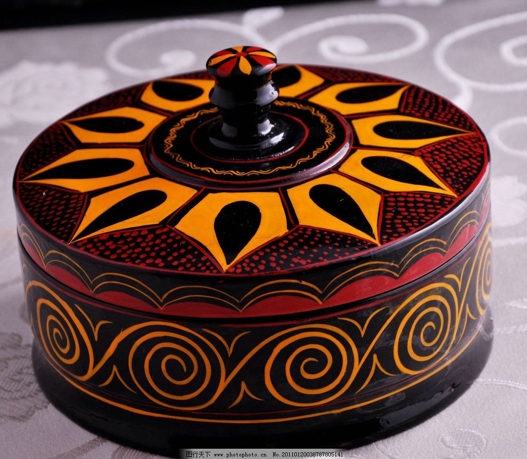 彝族漆器 漆器 器皿 黑色红色搭配 花纹 文化艺术 传统花纹 美术绘画