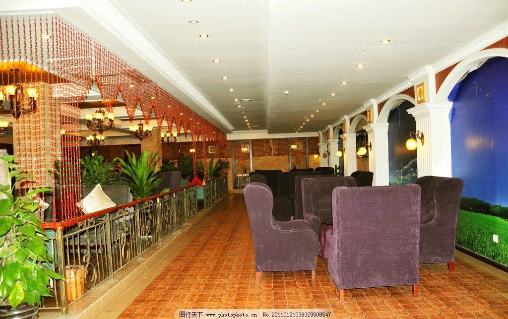 咖啡厅室内图 椅子 板凳 花 吊顶 吊灯 欧式风格 欧式建筑 摄影图片