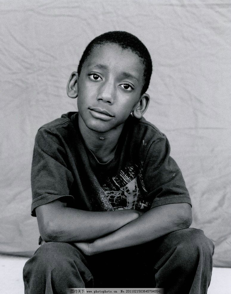 非洲小男孩 人物摄影 儿童摄影 黑白 黑人 非洲 贫穷 儿童幼儿 人物
