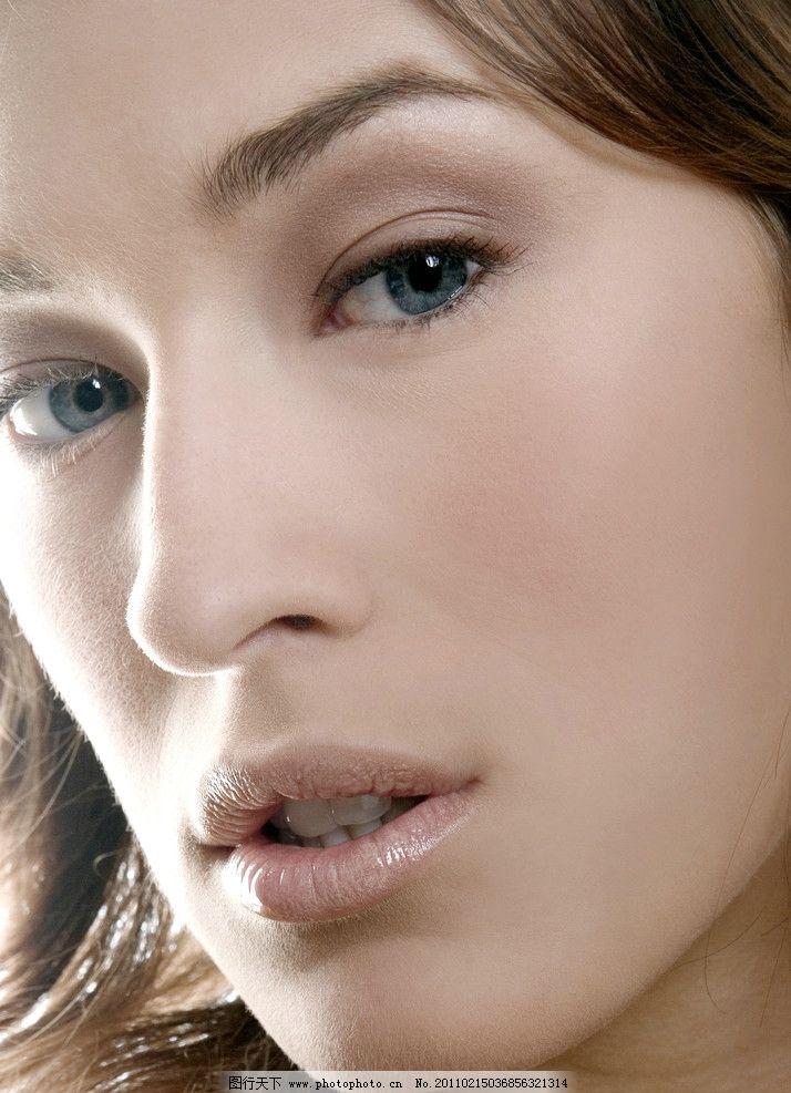 美女眼睛嘴唇 眼睛 嘴唇 眼神 睫毛 瞳孔 美容 化妆 打扮 面具 风情万种 美撼凡尘 俏丽多姿 风姿卓越 优雅美女 优雅女孩 漂亮美女 漂亮女孩 时尚美女 高清人物 高清美女 魅力 时尚 潮流 气质 清纯 女人面部特写 女性女人 人物图库 摄影 300DPI JPG
