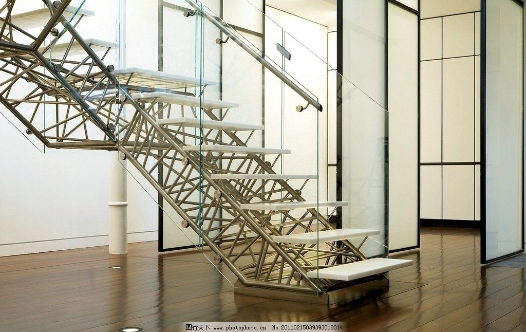 楼梯 钢梯 不锈钢楼梯 踏步 扶手 室内摄影 建筑园林 摄影 300dpi jpg