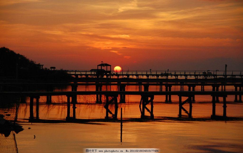 海上日出 早晨 早上 日出 红日 大海 海边 美丽风景 自然风景 自然