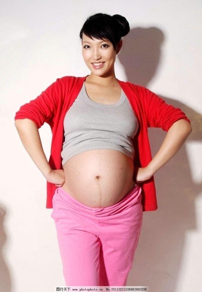 大肚子孕妇简笔画