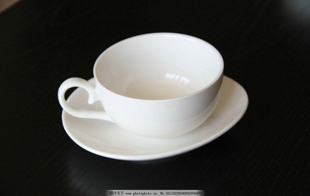 餐具 杯子 瓷器 骨瓷 餐具厨具 餐饮美食 摄影 72dpi jpg