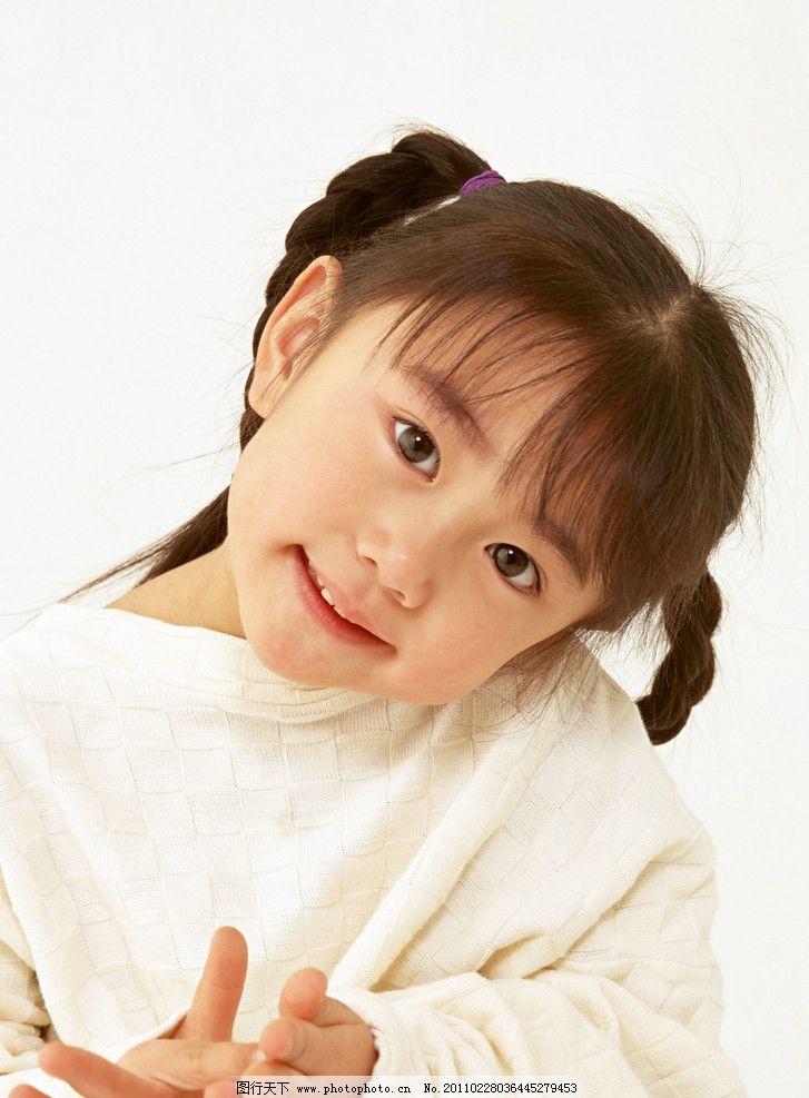 微笑 小美女 小女孩 小学生 儿童 孩子 儿童表情 孩子表情 小孩表情