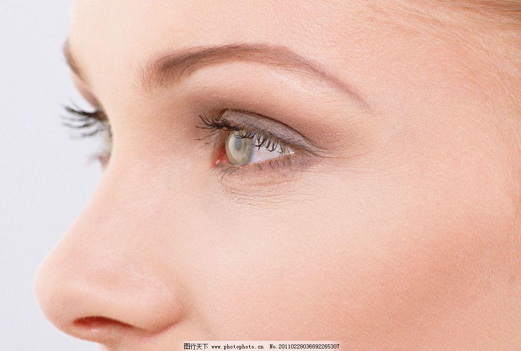 明亮眼睛 眼睛 眼球 眼珠 眼影 眼神 睫毛 瞳孔 美容 化妆 打扮 人眼 迷人 明亮 眉毛 眼睫毛 美丽眼睛 眼睛特写 眼睛美女 心灵窗口 脸部 美女 美人 时尚 魅力 气质 高贵 尊贵 女人面部特写 女性女人 人物图库 摄影 350DPI JPG