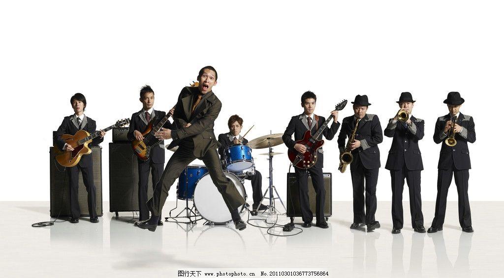 乐队 音乐 吉他 贝斯 架子鼓 小号 萨克斯风 吹号 打鼓 乐手