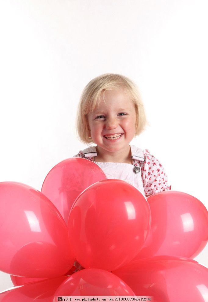 开心的小女孩图片