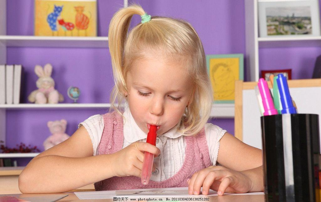 小女孩做作业 做功课 小女孩写字 想问题 思考 国外小学生 小学生 小女孩 小女生 小同学 学习 可爱的小女孩 国外小女孩 外国小女孩 女孩 国外儿童 儿童 幼儿 儿童幼儿高清图片 儿童幼儿 职业人物 人物图库 摄影 300DPI JPG