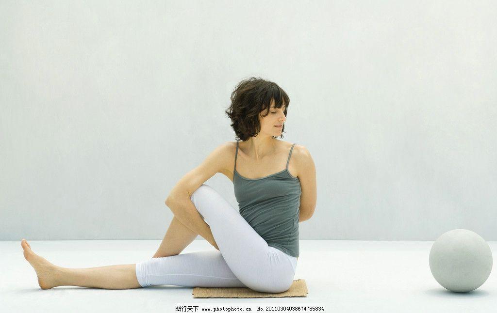 瑜伽 瑜珈 美体 健身 塑身 瘦身 健美 运动 有氧运动 体育运动 体操 跳舞 美女 瑜伽球 瑜珈美女 瑜珈姿势 瑜珈造型 人物 普拉提 时尚 青春 性感 人物摄影 体育运动高清图片 文化艺术 摄影 300DPI JPG