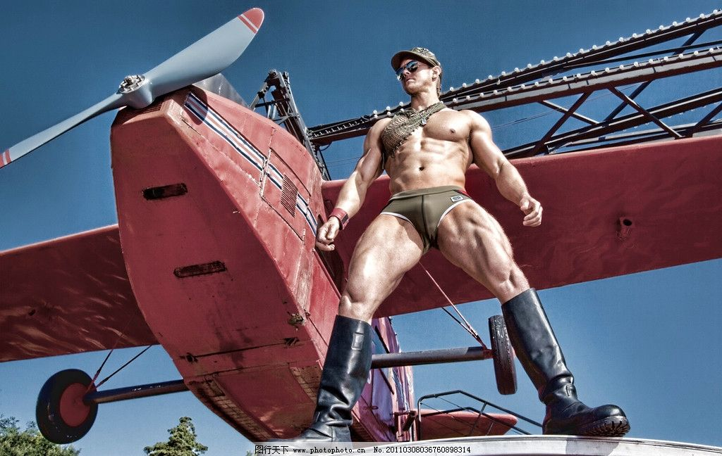 肌肉男 汗 性感 诱惑 白人 欧美 写真 运动 健身 健美 游乐场 模特 写