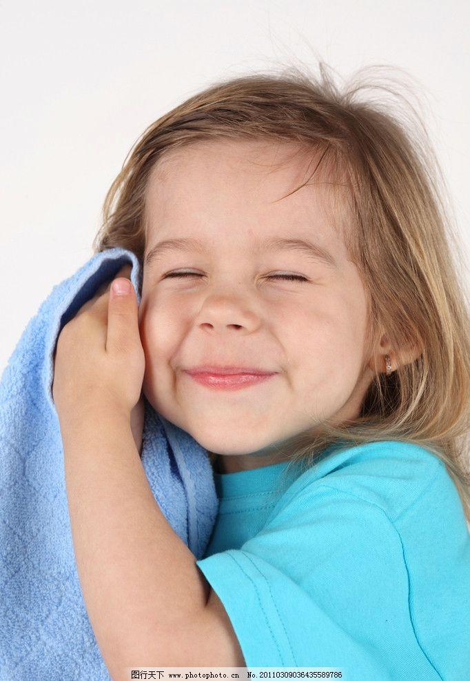 开心 可爱 笑脸 开心的小女孩 洗脸 可爱的小女孩 国外小女孩 外国小