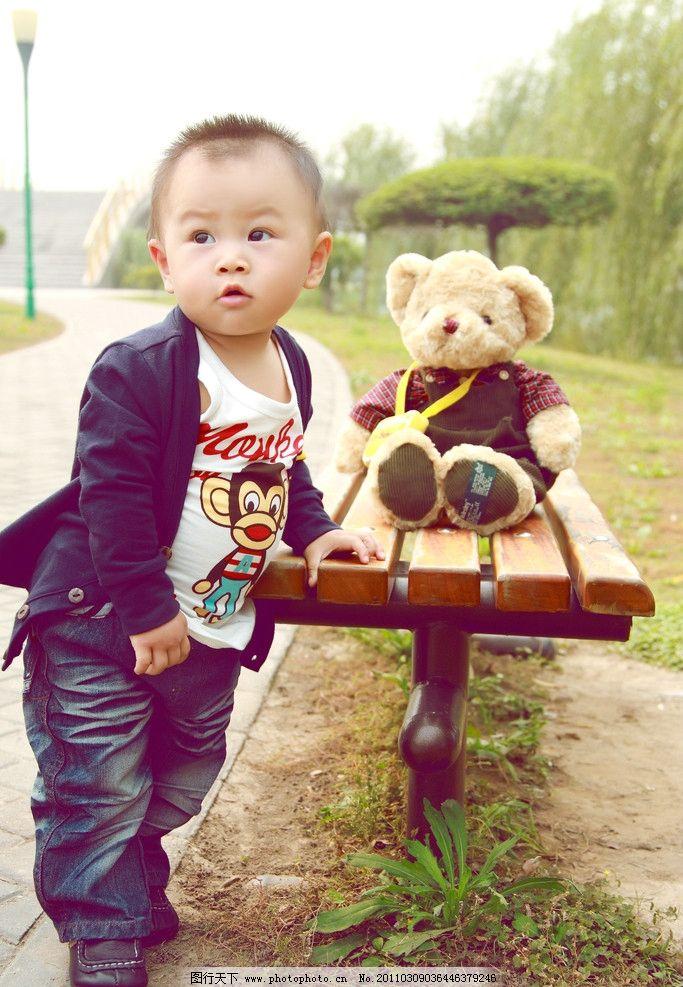 宝宝写真 西装 半岁 小熊 长椅 儿童幼儿 人物图库 摄影