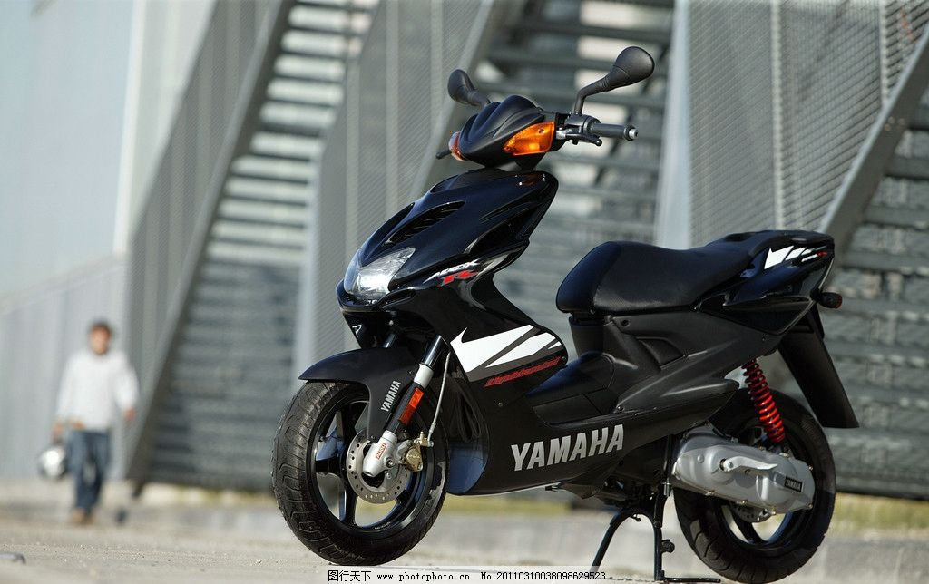 雅马哈摩托车图片