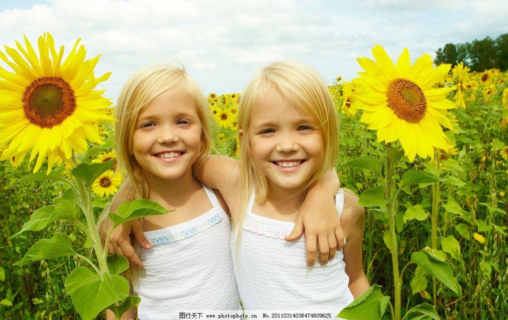 灿烂的笑容 快乐的小女孩 可爱 天真 玩耍 开心 笑容 儿童幼儿 儿童