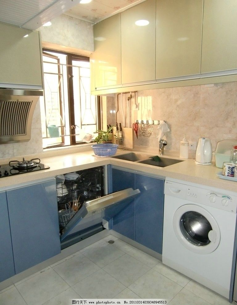 现在厨房 室内设计      抽油烟机 洗手池 整体橱柜 洗衣柜 风格 餐具