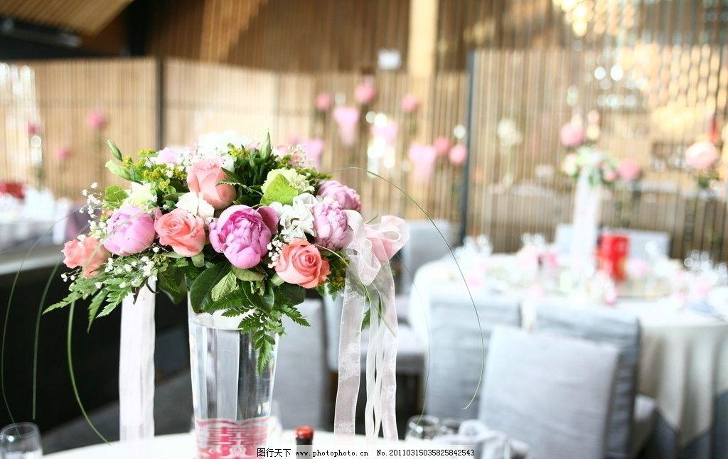 婚礼场地鲜花布置图片