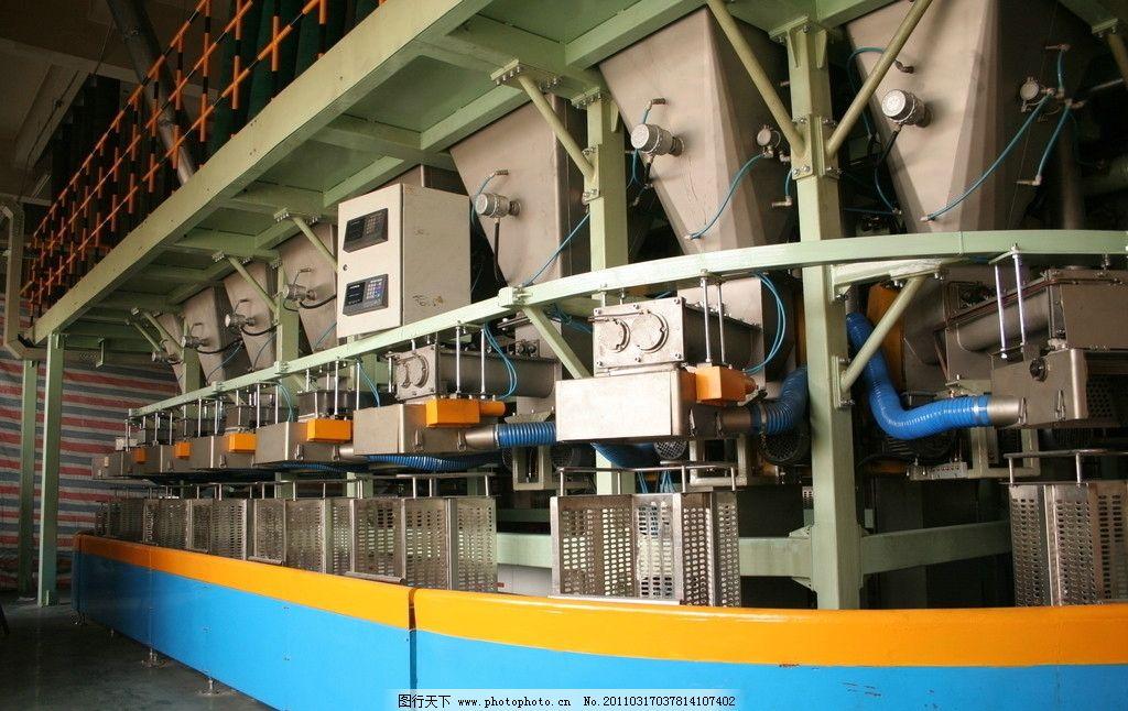 机械 轮胎 生产 工厂 汽车 橡胶 农业生产 现代科技 摄影 72dpi jpg