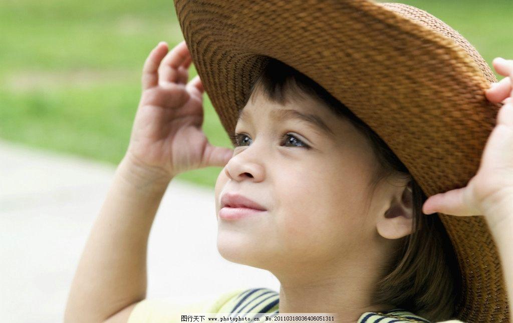 小男孩脸部特写 脸部表情 男孩 国外小男孩 外国小男孩 天真 可爱