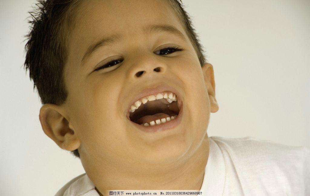 微笑 笑脸 脸部表情 男孩 国外小男孩 外国小男孩 玩耍 天真 可爱