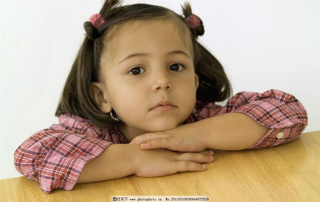 可爱的小女孩 小女孩脸部特写 脸部表情 国外小女孩 外国小女孩