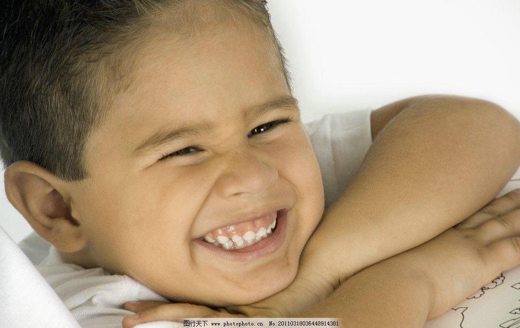 笑容 微笑 笑脸 脸部表情 男孩 国外小男孩 外国小男孩 天真 可爱