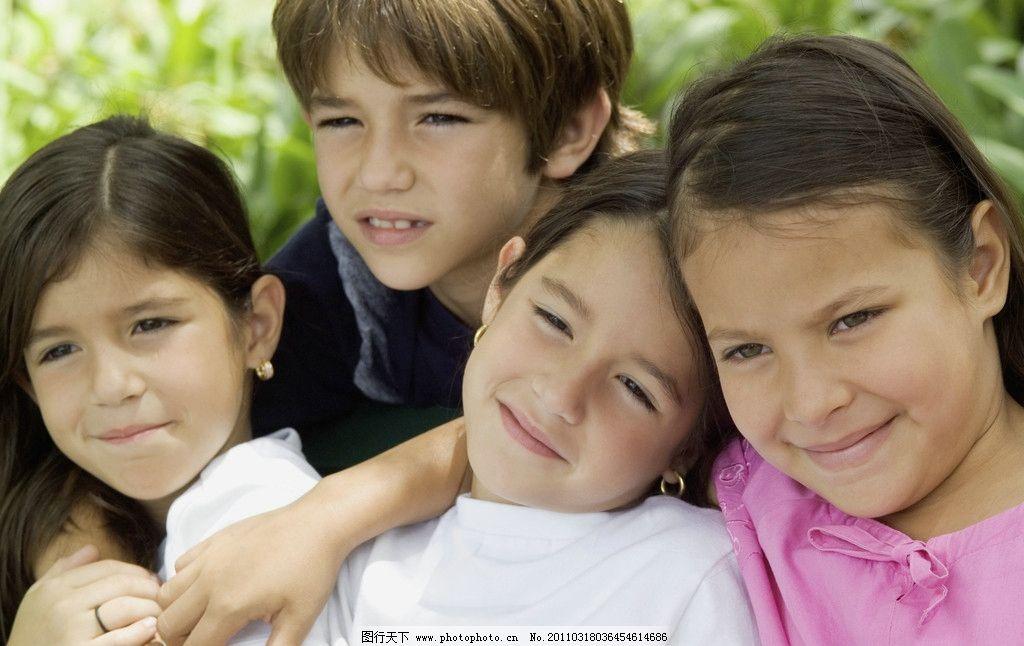小男孩脸部特写 脸部表情 男孩 国外小男孩 小帅哥 外国小女孩 调皮