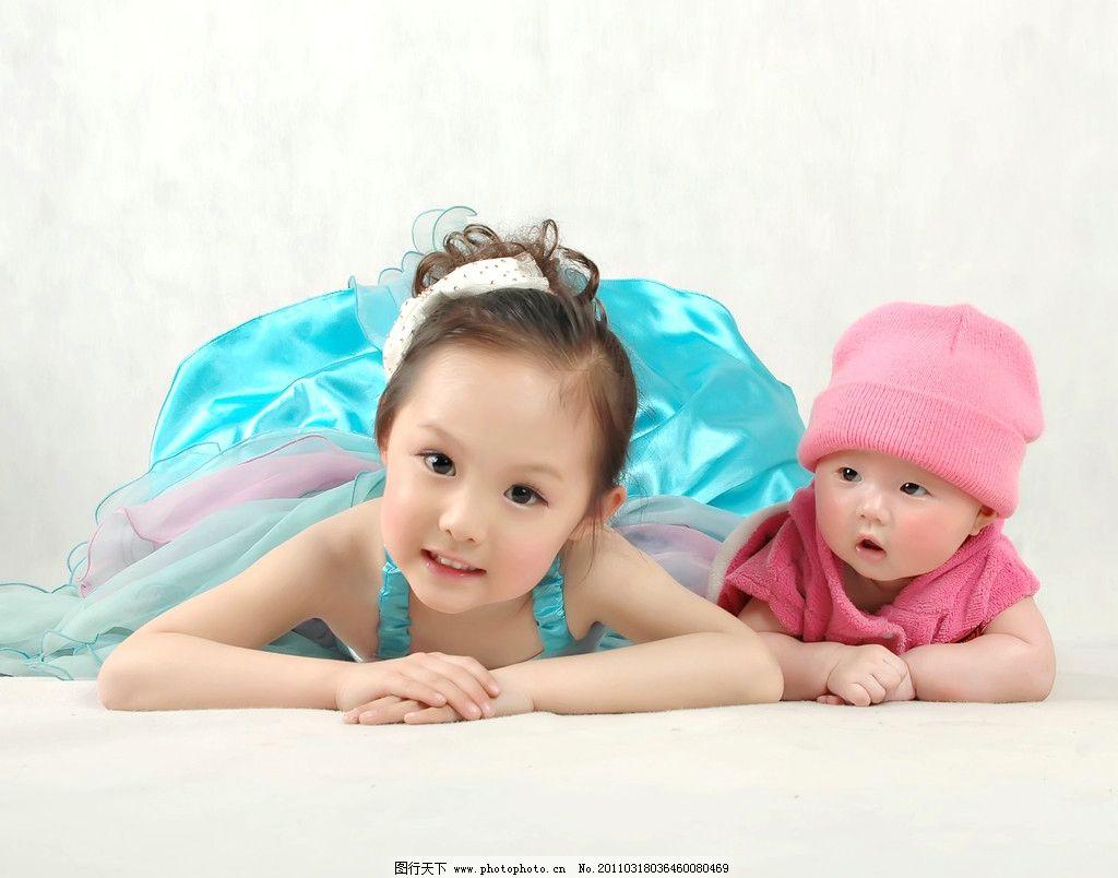 可爱宝宝姐妹图片