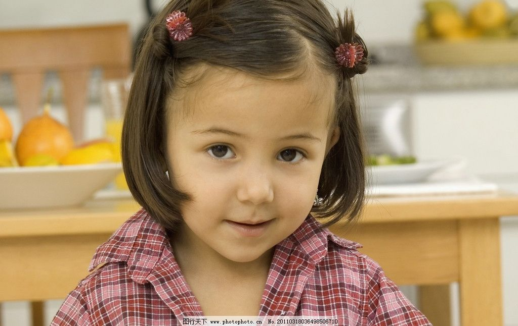 小女孩图片,快乐的小女孩 可爱 调皮 微笑 笑容 开心