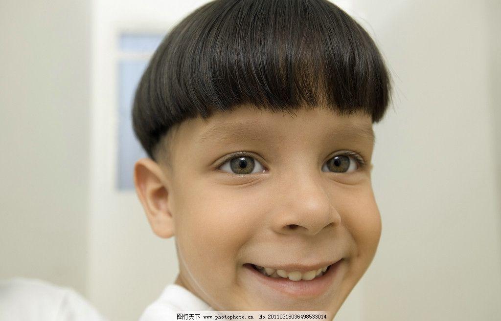 开心的小男孩图片