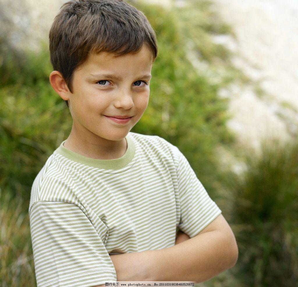 微笑快乐的小男孩 儿童 幼儿 孩子 可爱 小学生 快乐生活 美好生活