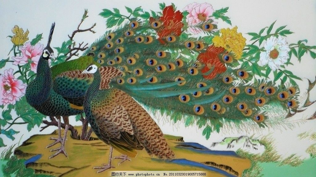 金丝彩绘孔雀牡丹图片