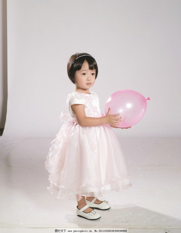 童装图片 可爱童装专辑 可爱 童装 专辑 粉红裙子 短袖 金发 童装专辑