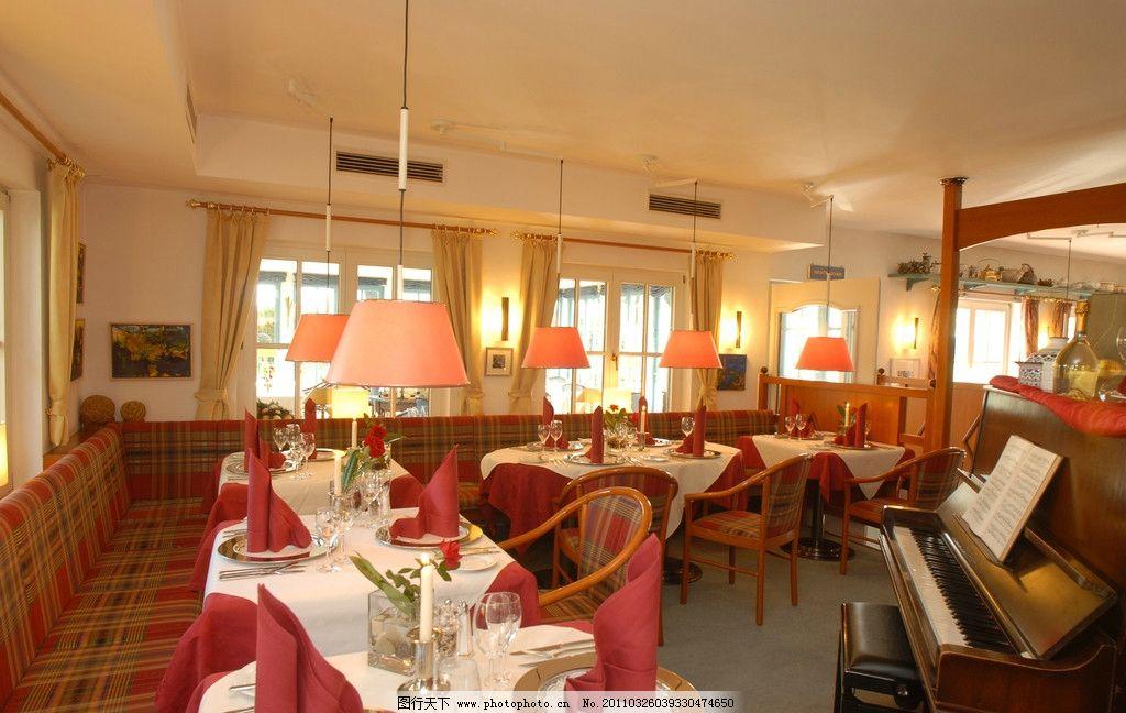 餐厅大厅设计 钢琴 餐桌 餐椅 酒吧 情调 咖啡厅 西餐厅 欧式餐厅