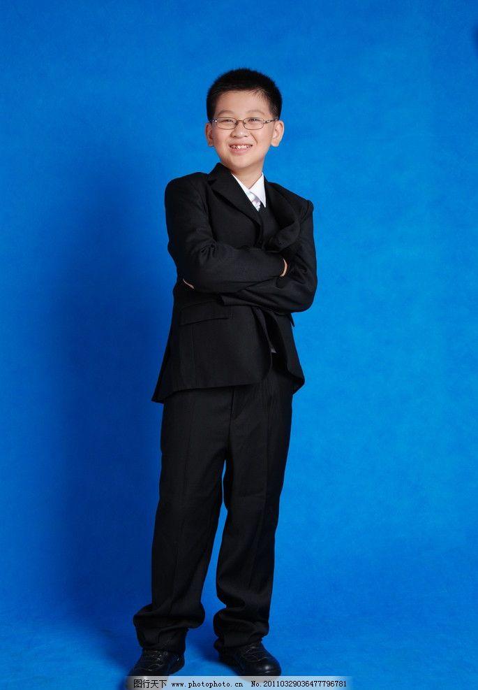 漂亮可爱的小男孩 儿童人物 童装素材 人物写真 人物图库 小西装 儿童
