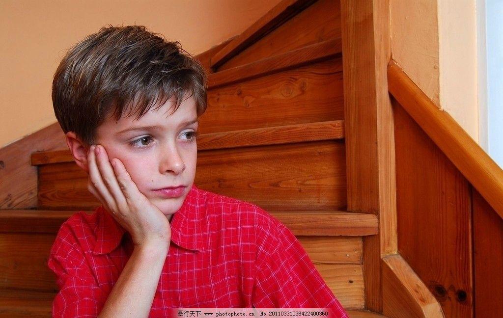 红衬衫 方格衬衫 西方男孩 外国男孩 可爱男孩 帅气 英俊 模特 小模特